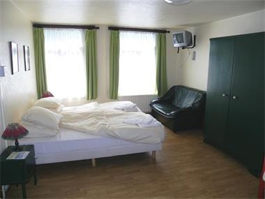 Grote foto groepshuis 54p met 25 slpk en eigen badk vakantie belgi