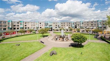 Grote foto te huur winkelruimte duiven eilandplein 500 huizen en kamers bedrijfspanden