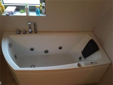 Whirlpool bad te koop kopen baden en whirlpools