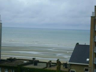 Grote foto 1 mei midweek vlakbij zeedijk nieuwpoort zeezicht vakantie belgi
