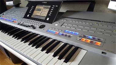 Grote foto yamaha tyros 4 arranger keyboard trs 04 speaker muziek en instrumenten keyboards