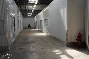 Grote foto plaatsgebrek huur1box.be bedrijfspanden garageboxen te huur
