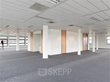 Grote foto kantoorruimte huren aan gemeenschapspolderweg 26 48 in weesp huizen en kamers bedrijfspanden