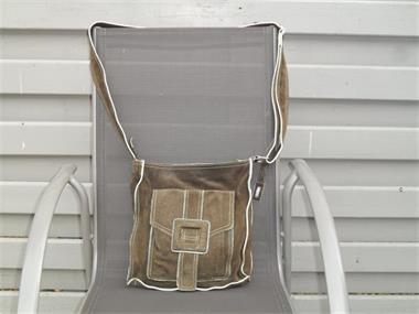 8ed3c1cf70c Grote foto verschillende handtassen te koop sieraden tassen en uiterlijk  damestassen ...