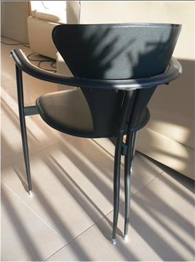 6 Design Stoelen.Eetkamermeubilair 6 Italiaanse Design Stoelen In Kunststof