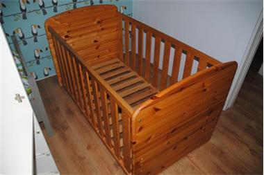 Grote foto houten kinderbedje kinderen en baby bedden
