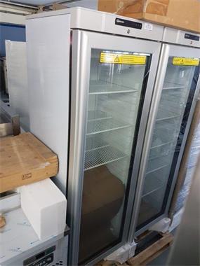 Grote foto nieuw gram glasdeurkoelkast zakelijke goederen keukenapparatuur