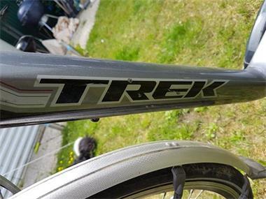 Grote foto te koop elektrische fiets merk trek 7 jaar oud fietsen en brommers damesfietsen