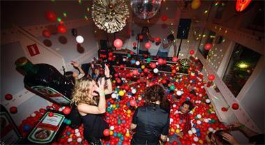 Grote foto 84000 ballenbakballen te huur bij play all day diensten en vakmensen feesten