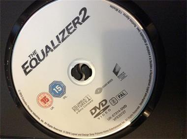 Grote foto reprisal en equalizer 1 en 2 cd en dvd actie