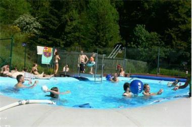 Grote foto groepsaccommmodatie overdekt zwembad sauna jacuzzi vakantie duitsland west