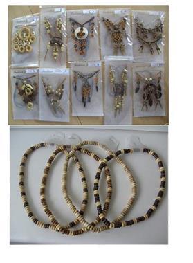 Grote foto ketting met oorbellen en losse kettingen 120 stuks sieraden tassen en uiterlijk kettingen