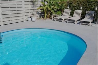 Grijze graniet voor zwembad terras trappen kopen vloerdelen en plavuizen - Zwembad in het terras ...