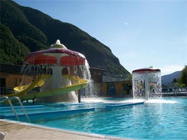 Grote foto varen vissen zwemmenurfen luganomeer italie watersport en boten boten verhuur en vakanties