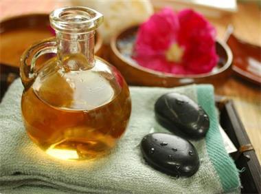 Grote foto ontspannende warme oliemassage diensten en vakmensen masseurs en massagesalons