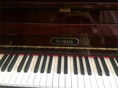 Grote foto piano merk schiller muziek en instrumenten piano en vleugels