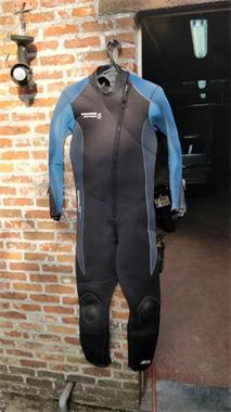 Grote foto te koop droogpak bare met binnenpak en toebehoren watersport en boten duiken en zwemsport