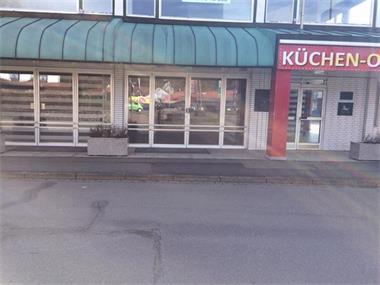 Grote foto winkelpand met een kleine caf bedrijfspanden showroom te koop