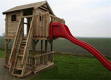 Grote foto speelhuisje speeltoren speeltuigen glijbaan kinderen en baby los speelgoed