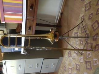 Grote foto alt trombone muziek en instrumenten trombones