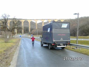 Grote foto transportje nodig diensten en vakmensen verhuur auto en motor