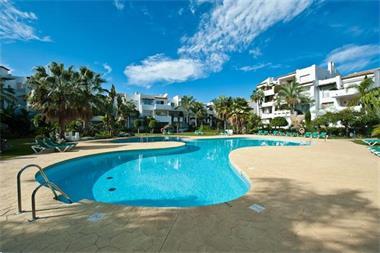 Grote foto koop strand appartement estepona marbella vakantie spaanse kust