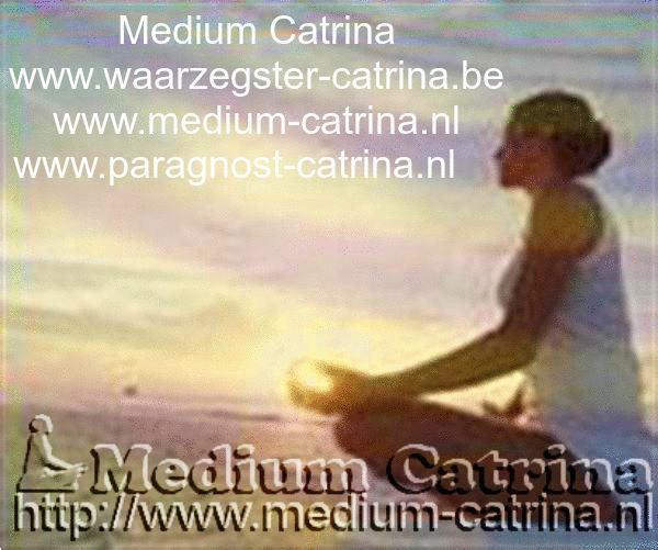 Grote foto medium catrina erkend helderziende waarzegger paranormaal mediums