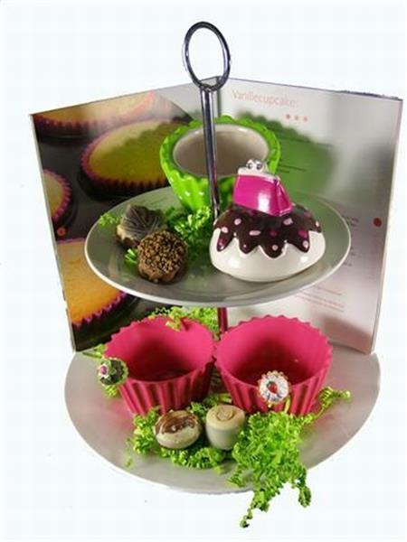 Grote foto cupcake cadeau op etagere hobby en vrije tijd taarten en cupcakes maken