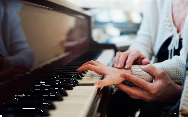 Grote foto pianoles voor beginners of licht gevorderden muziek en instrumenten keyboard en pianoles