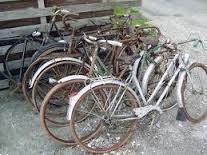 Grote foto ophaling van oude fietsen en ijzer in limburg fietsen en brommers damesfietsen