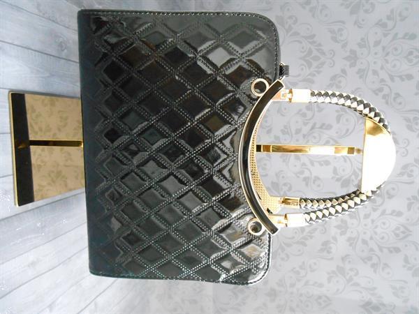 Grote foto nieuw prachtige elegante damestassen. sieraden tassen en uiterlijk damestassen