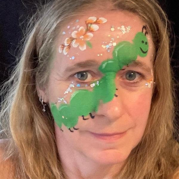 Grote foto kindergrime glitter en tijdelijke tattoo diensten en vakmensen entertainment