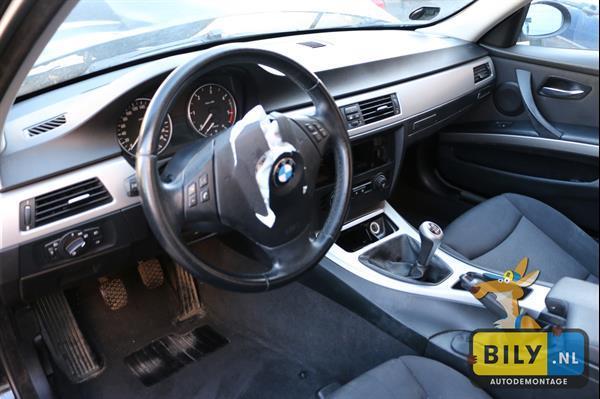 Grote foto in onderdelen bmw e90 320d 05 voor achter schade auto onderdelen dashboard en schakelaars