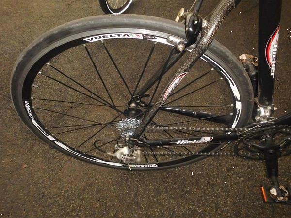 Grote foto koers fiets fietsen en brommers sportfietsen
