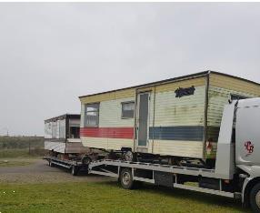 Grote foto afvoer van oude caravan caravans en kamperen caravans