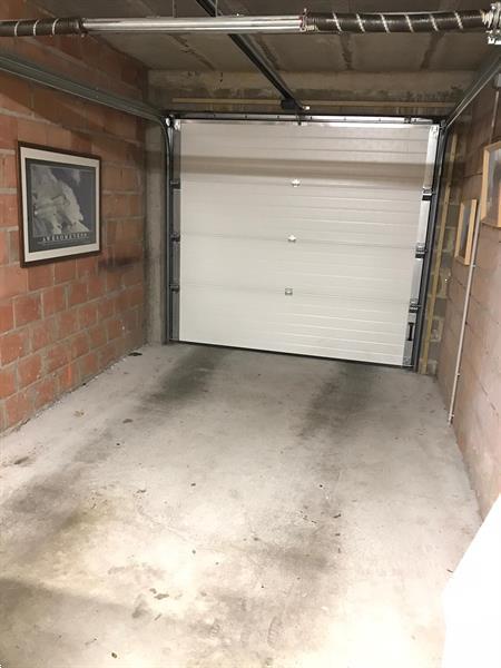 Grote foto garage ave odon warland huizen en kamers garageboxen