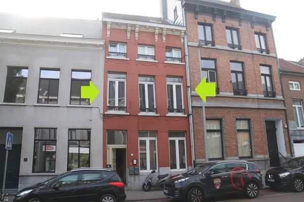 Grote foto lier goed gelegen te renoveren woning. huizen en kamers eengezinswoningen