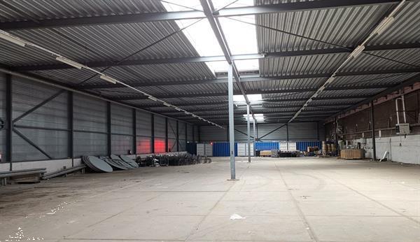 Grote foto staalconstructie 20x70m zakelijke goederen bedrijfs onroerend goed