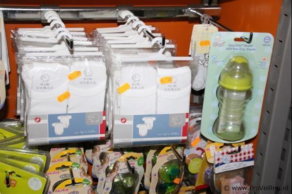 Grote foto diverse baby benodigdheden o.a. drinkflessen speentjes en r kinderen en baby overige