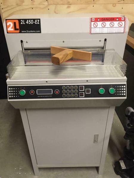 Grote foto vrijwel nieuwe papiersnijmachine stapelsnijder zakelijke goederen kantoorartikelen