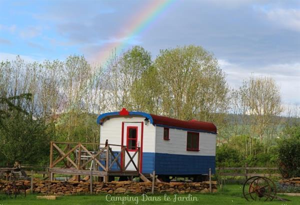 Grote foto glamping dans le jardin pipowagen mini camping vakantie frankrijk