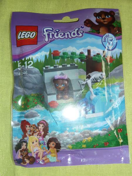 Grote foto lego friends 41046 serie 5 kinderen en baby duplo en lego