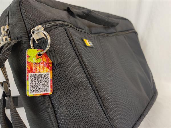 Grote foto tags of labels contacten en berichten gevonden voorwerpen
