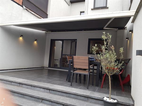 Grote foto zonnetent goede staat tuin en terras veranda en overkappingen