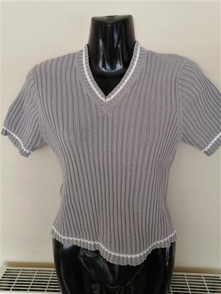 Grote foto rookgrijs truitje met v hals van maille street kleding dames tops