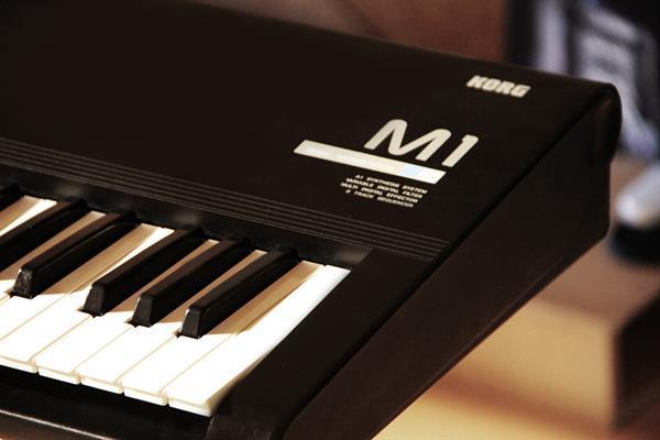 Grote foto korg m1 synthesizer workstation muziek en instrumenten keyboards