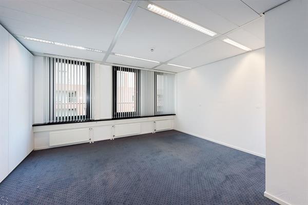 Grote foto te huur kantoorruimte avenue ceramique 27 maastricht huizen en kamers bedrijfspanden