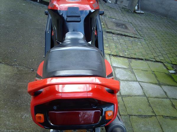 Grote foto suzuki gsxr1100 met inox raceuitlaat.jlc motoren suzuki