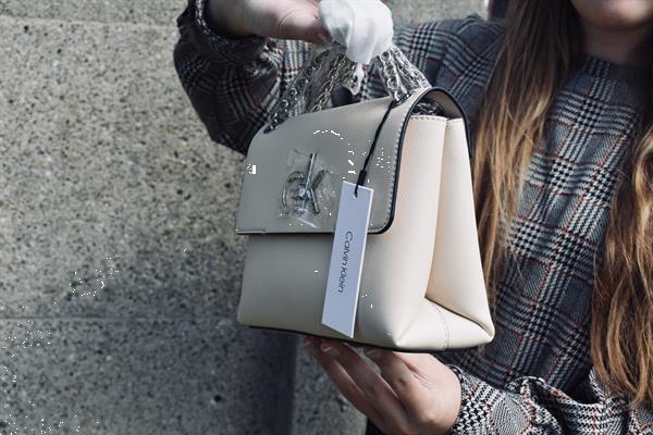 Grote foto calvin klein shoulder bag sieraden tassen en uiterlijk damestassen