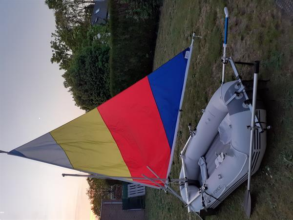 Grote foto nieuwstaat stevige opblaasbare zeilboot top watersport en boten open zeilboten
